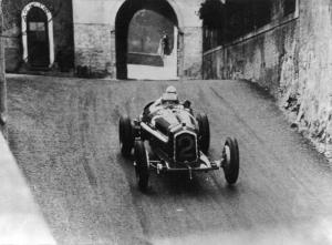 Tazio Nuvolari Alfa B P3 a Bergamo 1 assoluto  1935